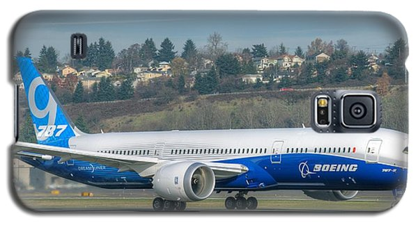 Galaxy S5 Case featuring the photograph Boeing 787-9 Takeoff by Jeff Cook