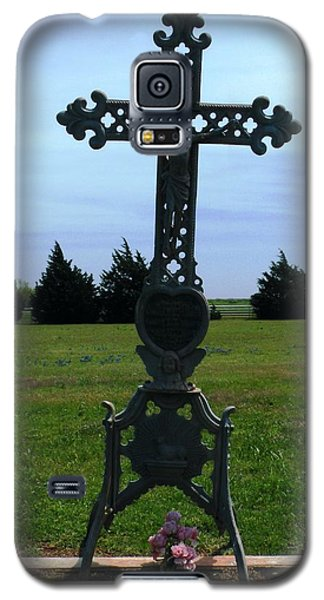 Galaxy S5 Case featuring the photograph Bomarton Catholic Cemetery 8 by The GYPSY And DEBBIE