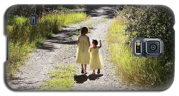 Galaxy S5 Case featuring the photograph Bond Between Sisters by Sheri Keith