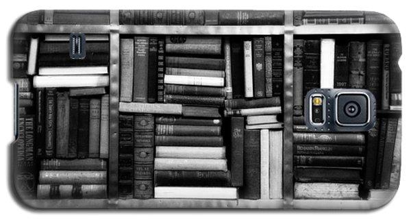 Books Galaxy S5 Case by Takeshi Okada