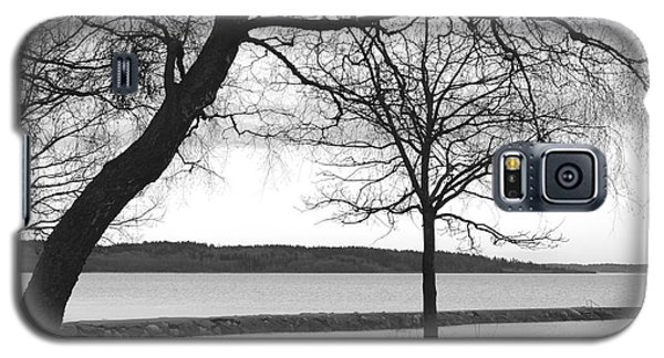 Galaxy S5 Case featuring the photograph Borrestranda by Randi Grace Nilsberg