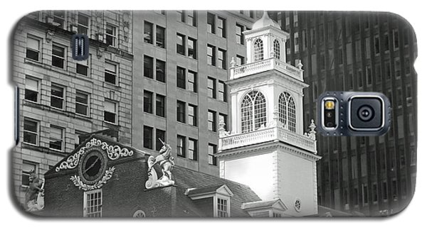 Galaxy S5 Case featuring the photograph Boston Old State House by Cheryl Del Toro
