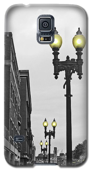 Galaxy S5 Case featuring the photograph Boston Streetlamps by Cheryl Del Toro