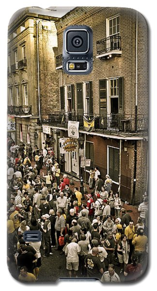 Galaxy S5 Case featuring the photograph Bourbon Street Party by Ray Devlin