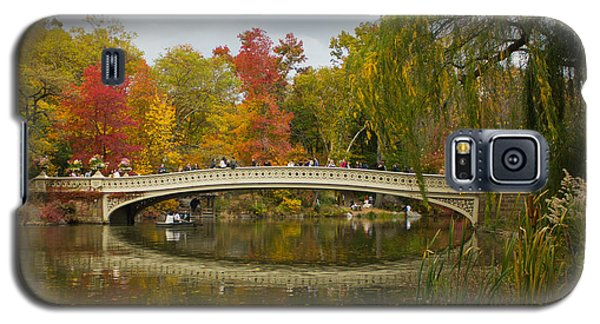 Galaxy S5 Case featuring the photograph Bow Bridge Central Park Ny by Jose Oquendo