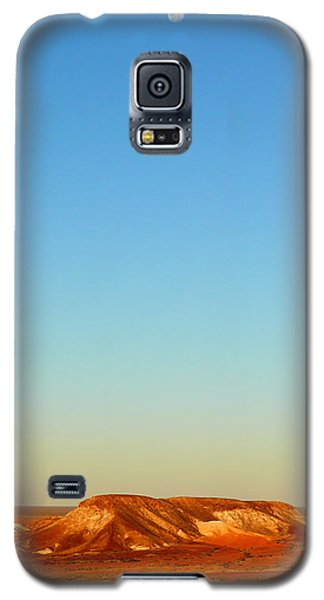 Galaxy S5 Case featuring the photograph Breakaways by Evelyn Tambour