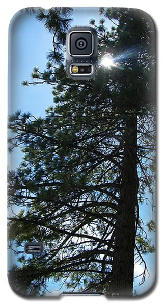 Galaxy S5 Case featuring the photograph Breakthrough by Bobbee Rickard