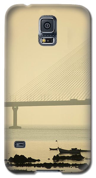 Bridge And Rocks Galaxy S5 Case