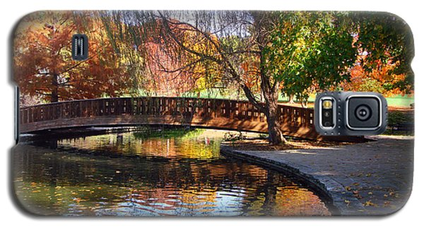 Bridge In Autumn Galaxy S5 Case by Ellen Tully