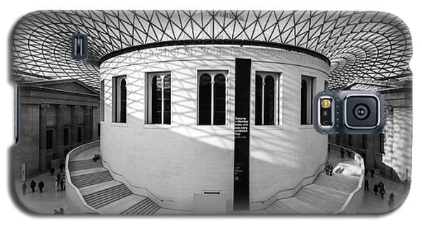 Galaxy S5 Case featuring the photograph British Museum Black And White by Matt Malloy
