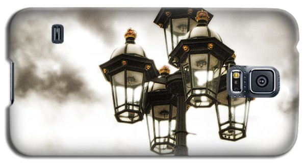 British Street Lamp Against Cloudy Sky Galaxy S5 Case
