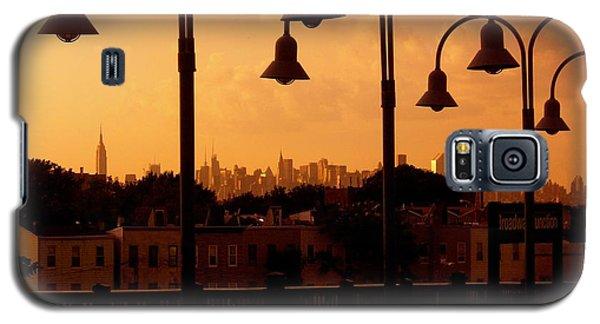 Broadway Junction In Brooklyn, New York Galaxy S5 Case