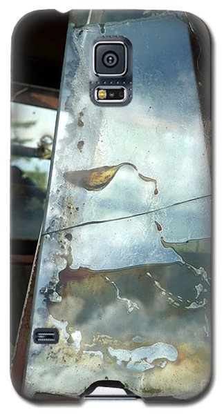 Galaxy S5 Case featuring the photograph Broke by Newel Hunter