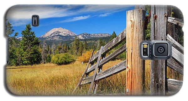 Broken Fence And Mount Lassen Galaxy S5 Case