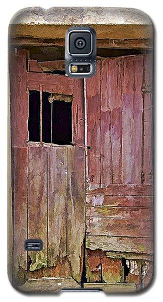 Broken Red Wood Door Galaxy S5 Case