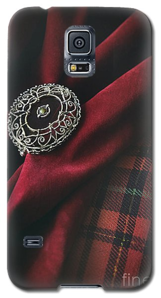 Galaxy S5 Case featuring the photograph Brooch With Red Velvet And Green Plaid by Sandra Cunningham