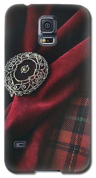 Brooch With Red Velvet And Green Plaid Galaxy S5 Case