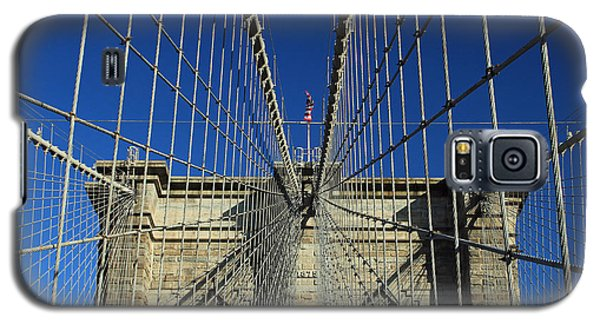 Galaxy S5 Case featuring the photograph Brooklyn Bridge Tower by Jose Oquendo