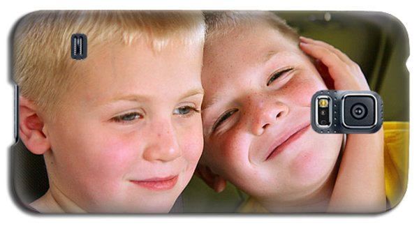 Galaxy S5 Case featuring the photograph Brothers Love by Shirley Heier