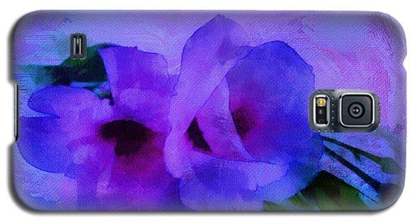 Brushing Flowers Galaxy S5 Case