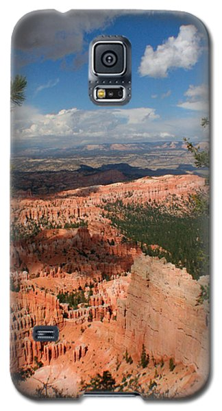 Galaxy S5 Case featuring the photograph Bryce Canyon by Jon Emery