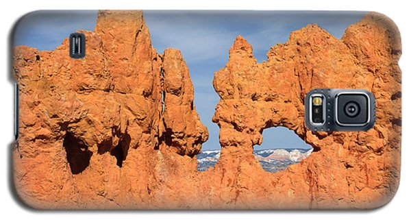 Galaxy S5 Case featuring the photograph Bryce Canyon Peephole by Karen Lee Ensley