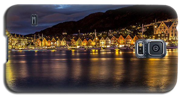 Galaxy S5 Case featuring the photograph Bryggen At Dusk by Justin Albrecht