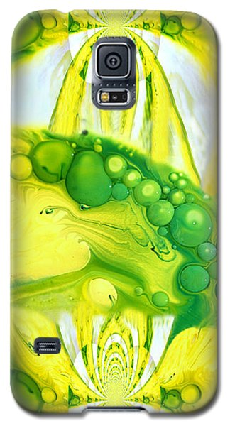 Galaxy S5 Case featuring the photograph Bubbleicious by Robert Kernodle