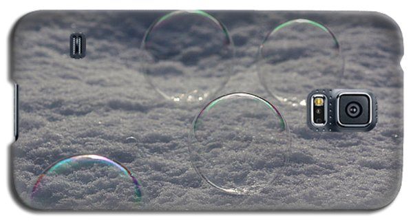 Bubbles In The Snow Galaxy S5 Case by Cathie Douglas