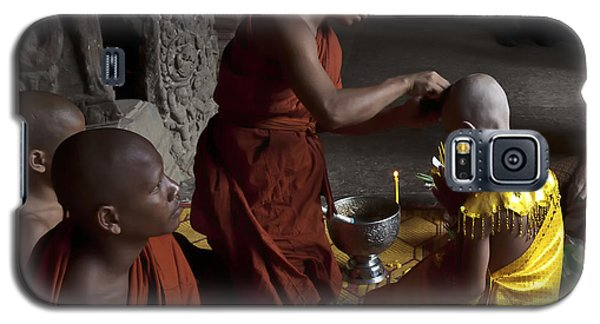 Buddhist Initiation Photograph By Jo Ann Tomaselli Galaxy S5 Case