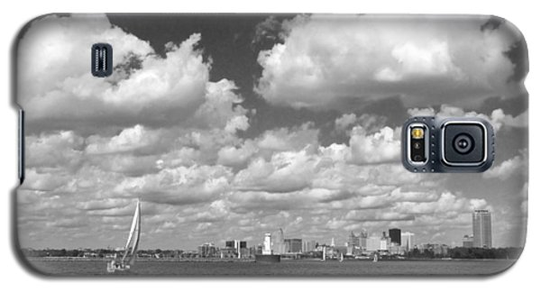 Galaxy S5 Case featuring the photograph Buffalo Skyline by Cindy Haggerty