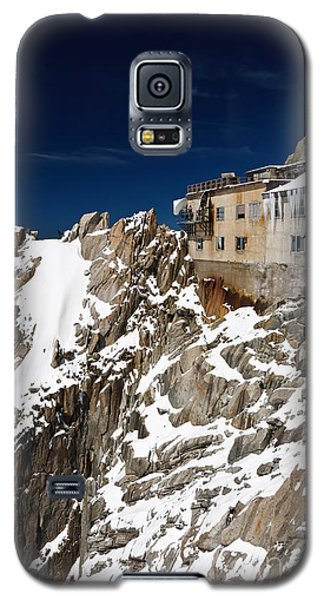 Galaxy S5 Case featuring the photograph building in Aiguille du Midi - Mont Blanc by Antonio Scarpi