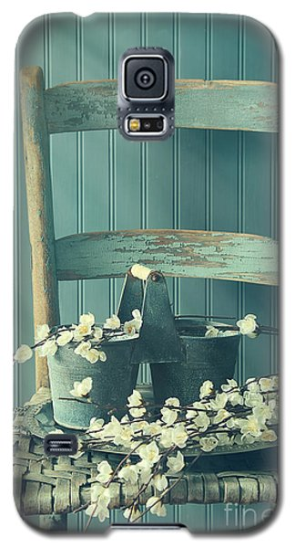 Bunch Of Fake Apple Blossoms On Old Chair Galaxy S5 Case
