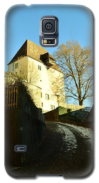 Galaxy S5 Case featuring the photograph Burgdorf Castle In December by Felicia Tica
