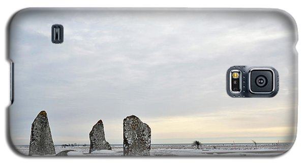 Galaxy S5 Case featuring the photograph Burial Ground Stones by Kennerth and Birgitta Kullman