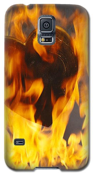 Burning Love C1978 Galaxy S5 Case by Paul Ashby