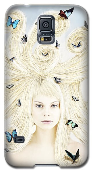 Butterfly Girl Galaxy S5 Case by Linda Lees