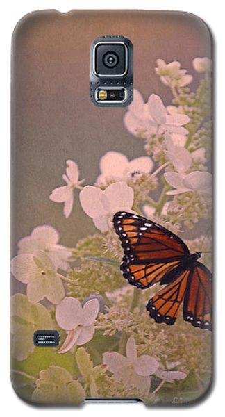 Butterfly Glow Galaxy S5 Case by Elizabeth Winter