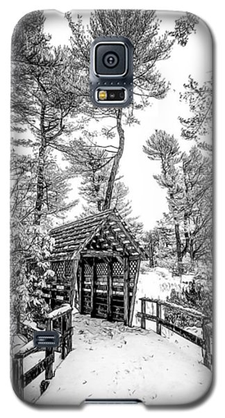 Bw Covered Bridge In The Snow Galaxy S5 Case
