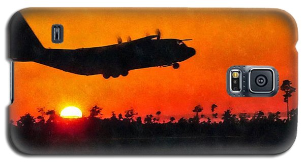 C-130 Sunset Galaxy S5 Case by Paul Fearn