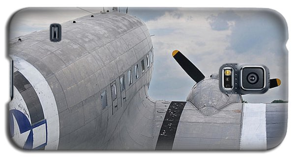 Galaxy S5 Case featuring the photograph C-47 3880 by Guy Whiteley
