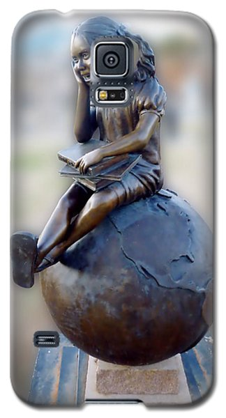 Galaxy S5 Case featuring the photograph Cabin Fever Sculpture by Pete Trenholm