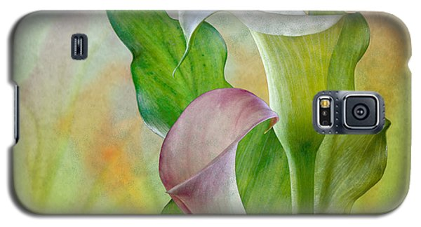 Galaxy S5 Case featuring the photograph Calla Lily Garden by Shirley Mangini
