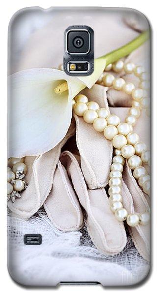 Calla Lily With Pearls Galaxy S5 Case by Stephanie Frey