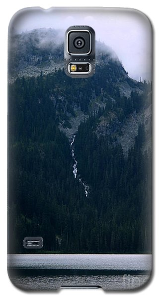 Galaxy S5 Case featuring the photograph Callaghan Waterfall by Amanda Holmes Tzafrir