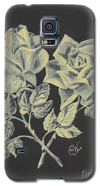Galaxy S5 Case featuring the painting Cameo Rose by Carol Wisniewski