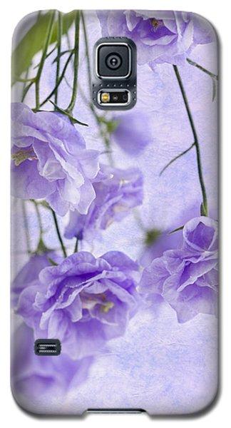 Campanella Blossoms Suspended - Macro Galaxy S5 Case by Sandra Foster