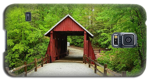 Galaxy S5 Case featuring the photograph Campbells Covered Bridge by Bob Sample