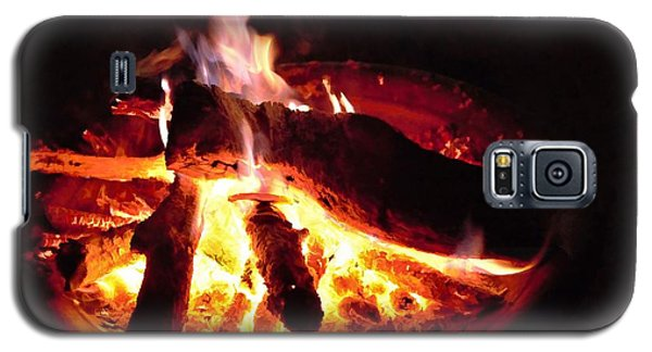 Galaxy S5 Case featuring the photograph Campfire by Ludwig Keck
