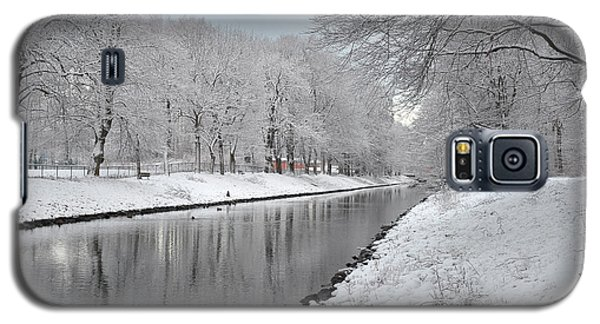 Galaxy S5 Case featuring the photograph Canal In Winter by Randi Grace Nilsberg
